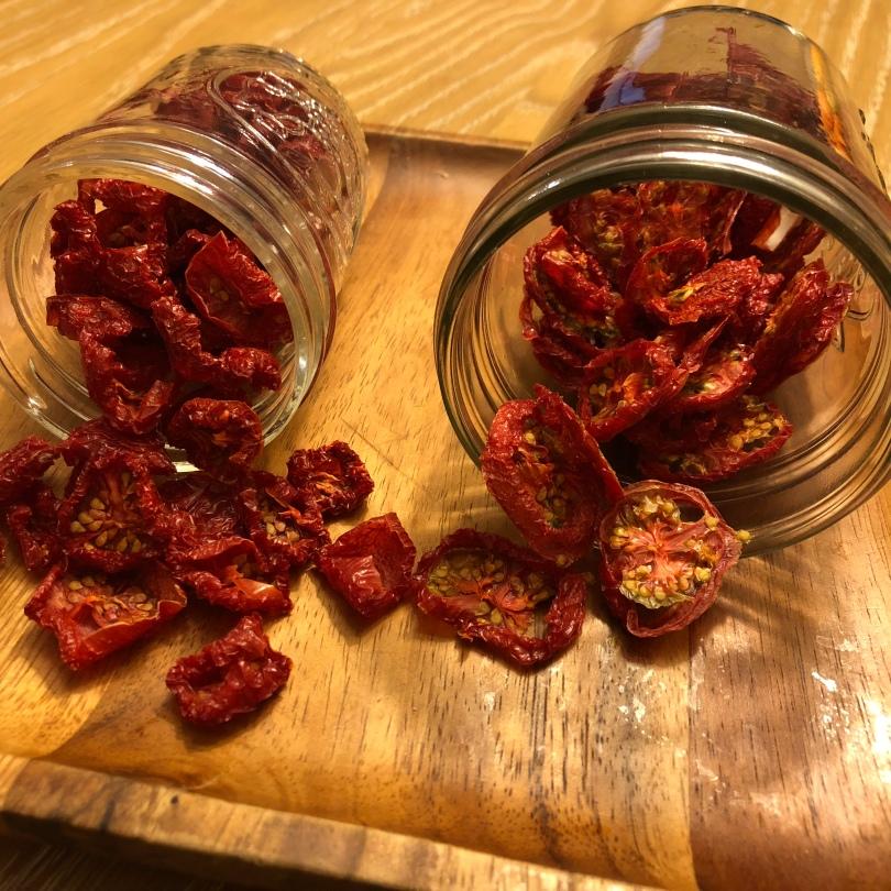 A-07-DehydratedTomatoes-jars-IMG_3133