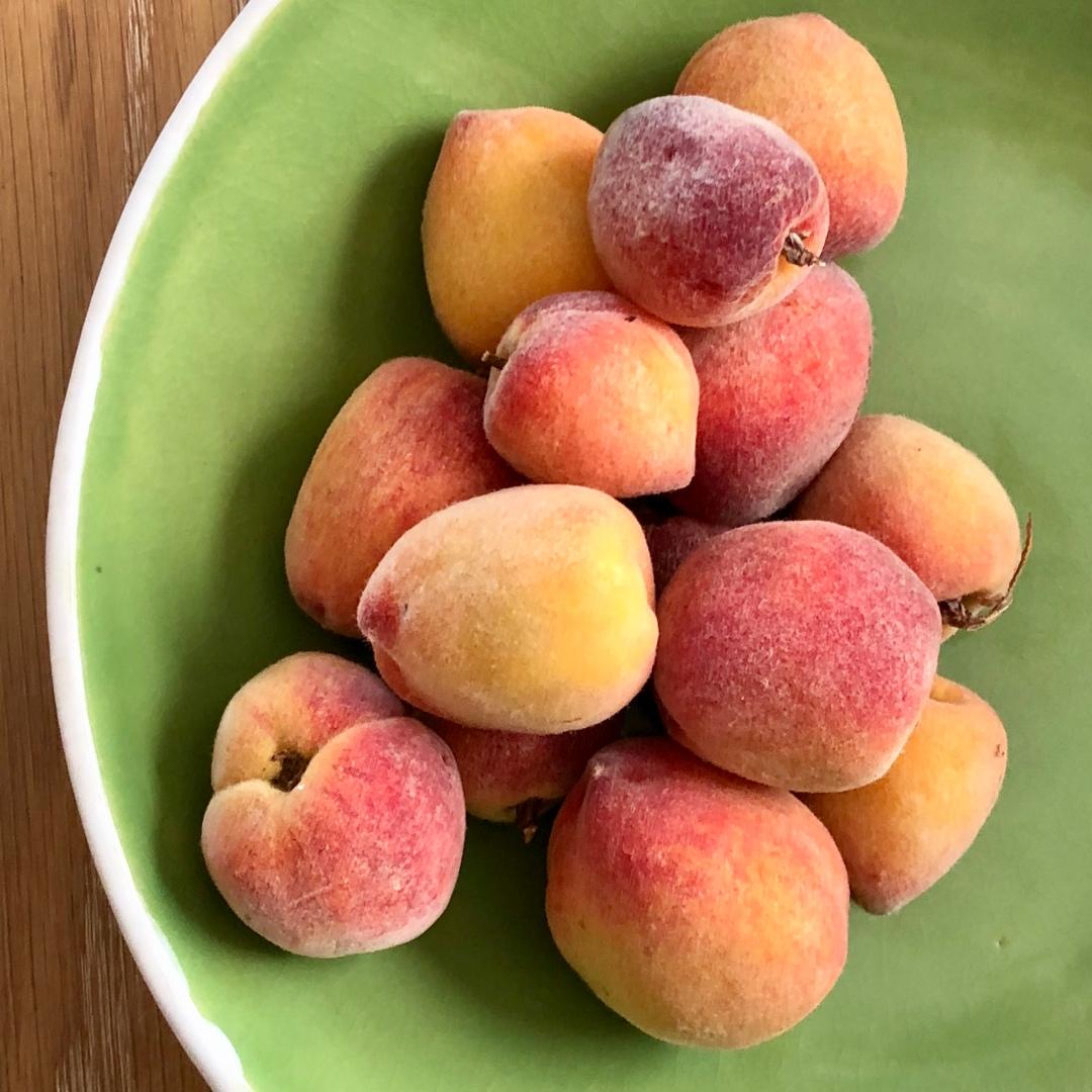 A-Peaches-IMG_E7051